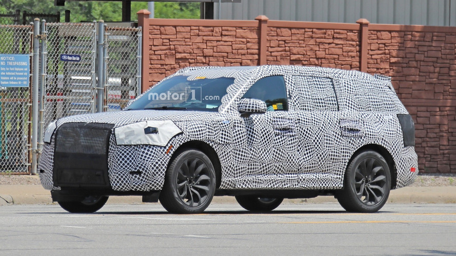 2020 Lincoln Aviator Plug-In Spy Photos