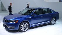 Volkswagen Passat BlueMotion concept live in Detroit