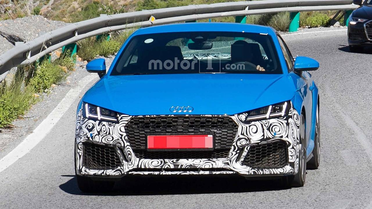 Audi Tt 2018 Facelift >> 2019 Audi TT RS Facelift Spied On Vacation In Southern Europe