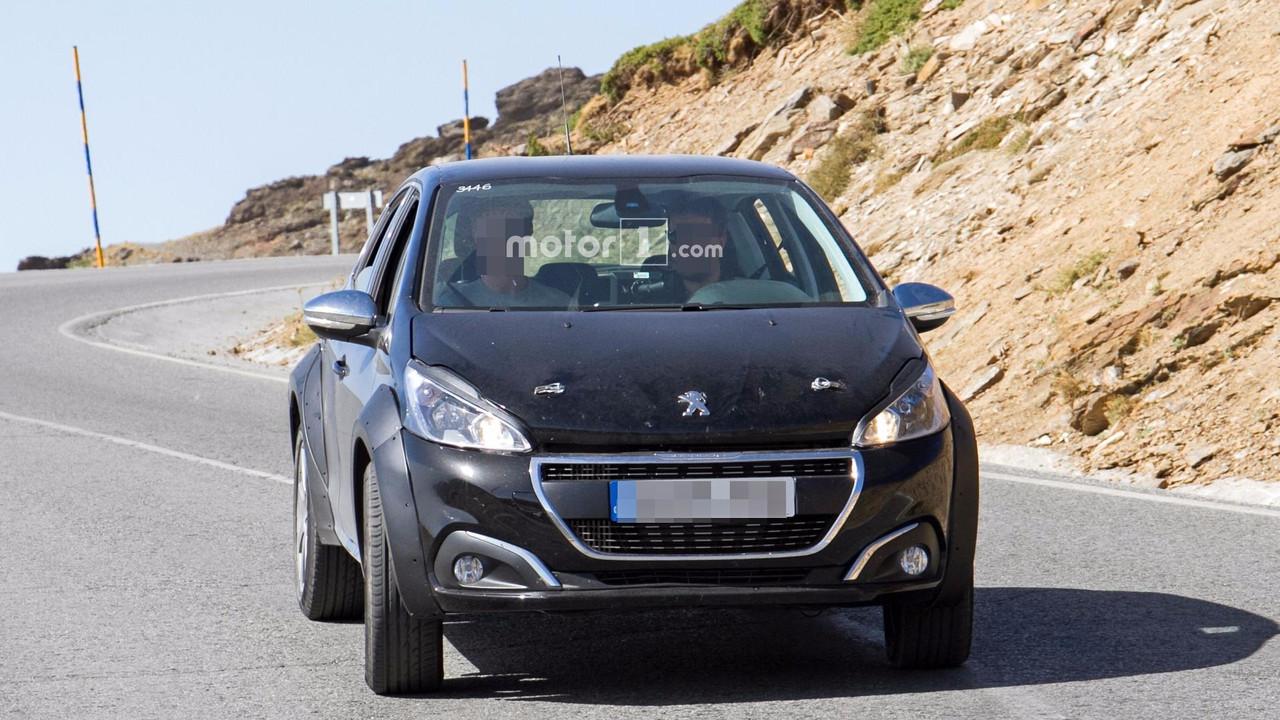 Possible Peugeot 1008 spy photo