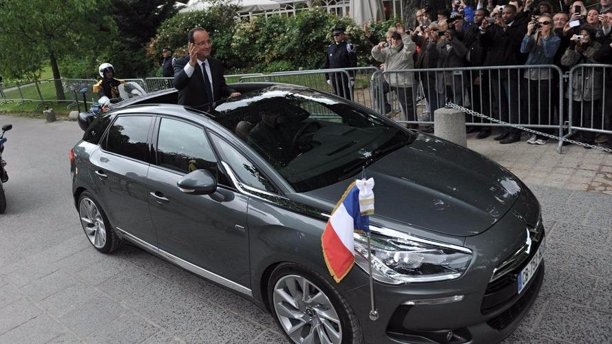 Hollande commande une Renault Espace avec une couleur de chez... VW