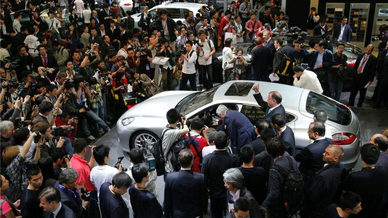 Porsche Panamera debut at Auto Shanghai 2009