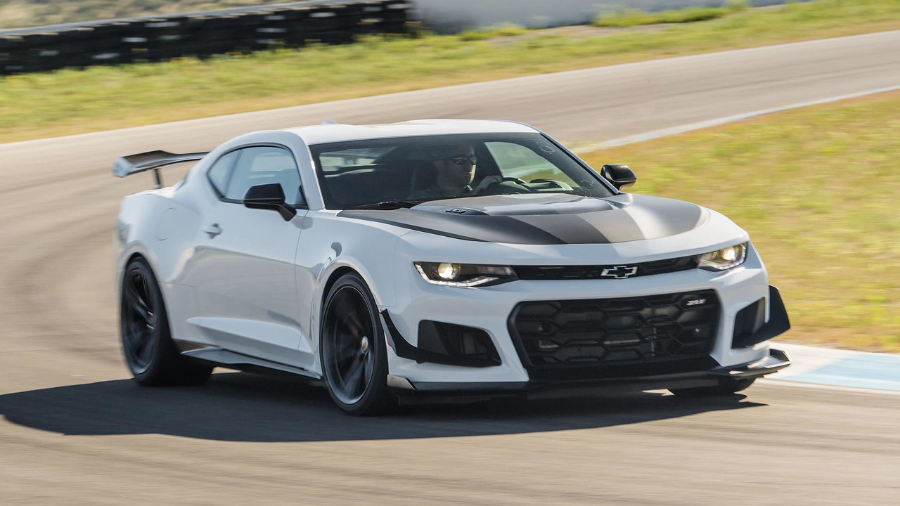 Hellcat 2018 Chevy Camaro >> 2018 Chevy Camaro ZL1 1LE: First Drive photo