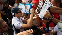 Felipe Massa, Williams signs autographs for the fans