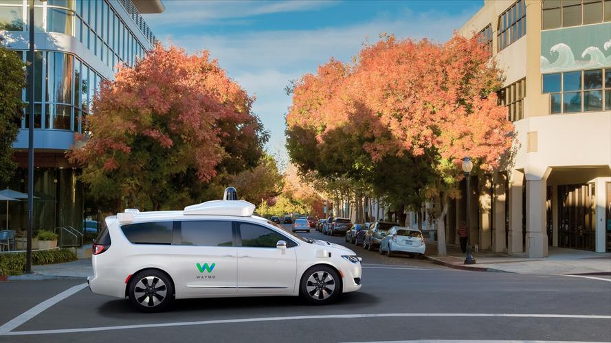 A Waymo bemutatta, milyen lesz a közlekedés az önvezető autókkal