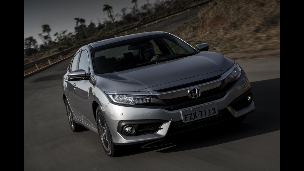 Teste CARPLACE: Novo Honda Civic resgata a ousadia e foco na dinâmica