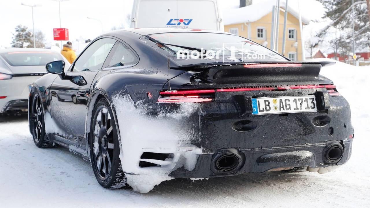 Yeni nesil Porsche 911 GT3 casus fotoğraf