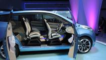 Suzuki R3 Concept MPV live at 2010 New Delhi Auto Expo - 1200 - 05.01.2010