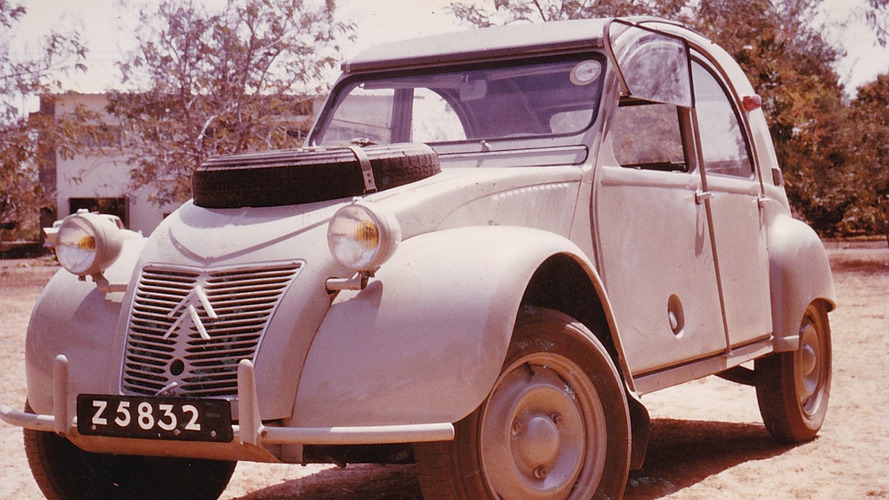Rare desert-hopping Citroen 2CV up for auction