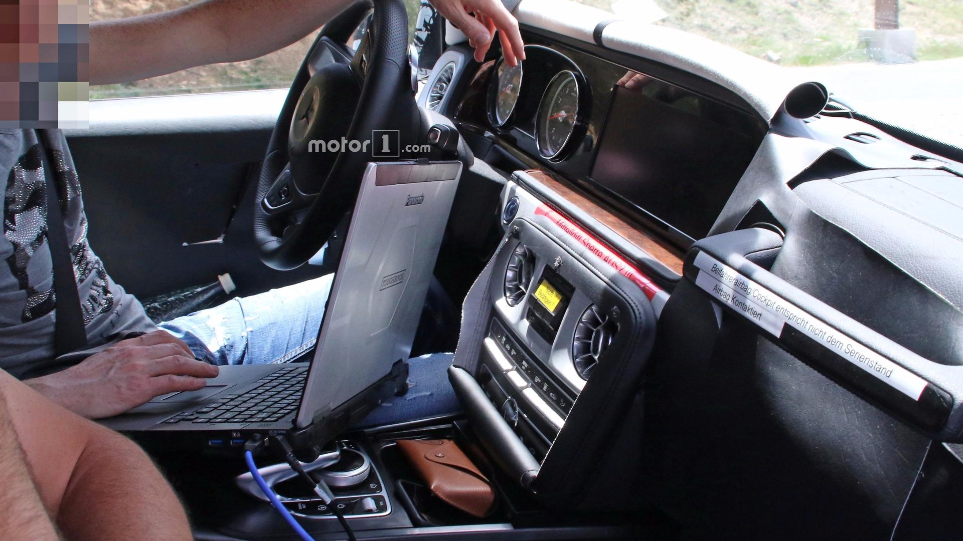 2019 mercedes amg g63 caught off guard showing interior for Mercedes a klasse amg interieur