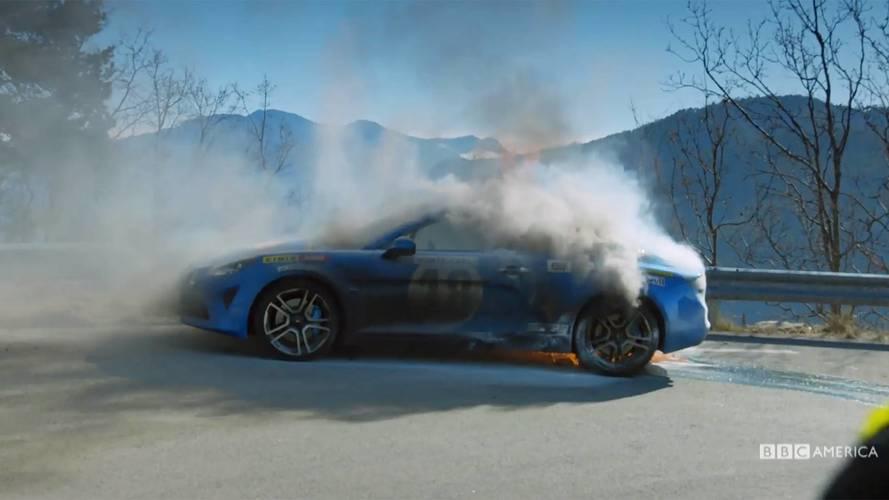 Alpine A110, ecco il video dell'auto in fiamme