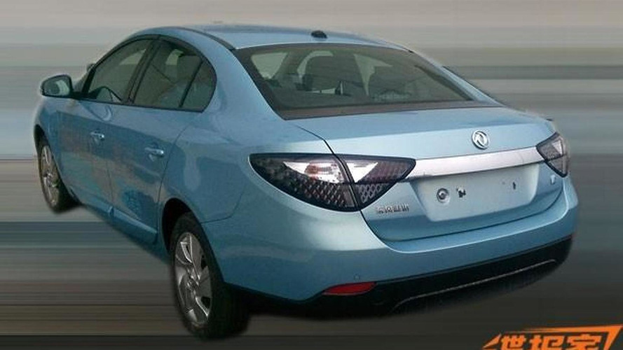 China-spec Renault Fluence Z.E. spied without camouflage