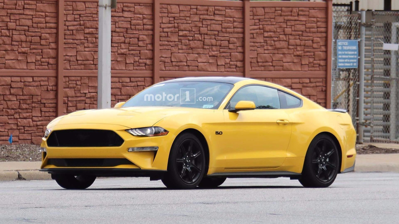 New dodge challenger 2018 2017 2018 best car reviews - 2018 Ford Mustang Spied With Black Accent Package