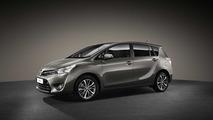 Toyota Verso gris