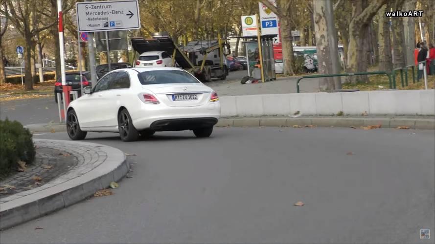 2018 Mercedes C350e casus foto