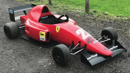 3 millióért Nigel Mansell egykori Ferrariját hajthatja a gyerek