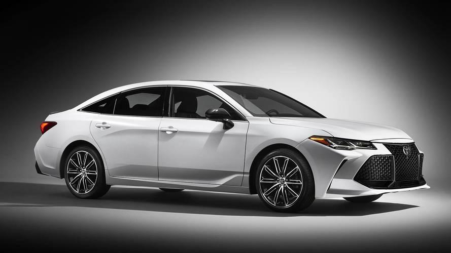 Yeni Toyota Avalon daha fazla teknolojiye sahip