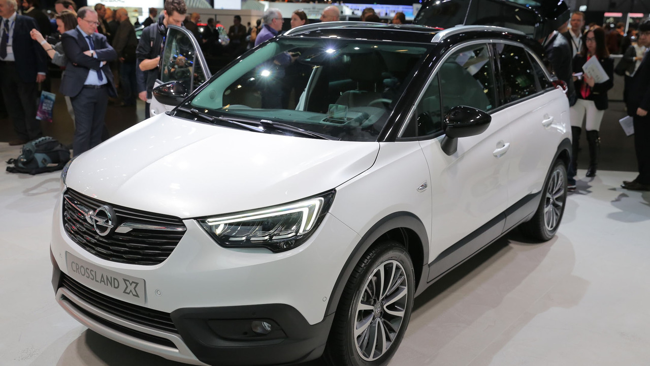 opel 39 s new crossland crossover has the x factor. Black Bedroom Furniture Sets. Home Design Ideas
