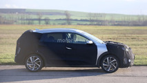 2017 Kia Niro Hybrid spy photo