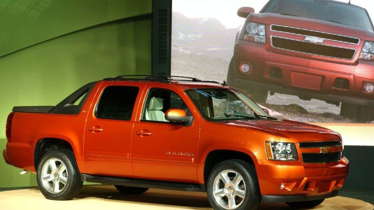 2007 Chevrolet Avalanche at Chicago Motor Show