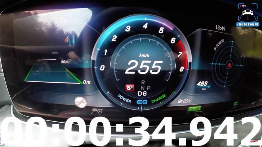 Mercedes CLS450'nin 34 saniyede azami hızına ulaşmasını izleyin