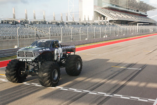 99.1MPH Raminator Becomes World's Fastest Monster Truck