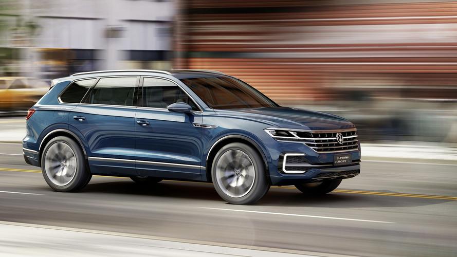 VW T-Prime Concept GTE signals fullsize SUV with premium aspirations