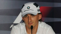 Kubica hints experienced driver to be 2010 teammate