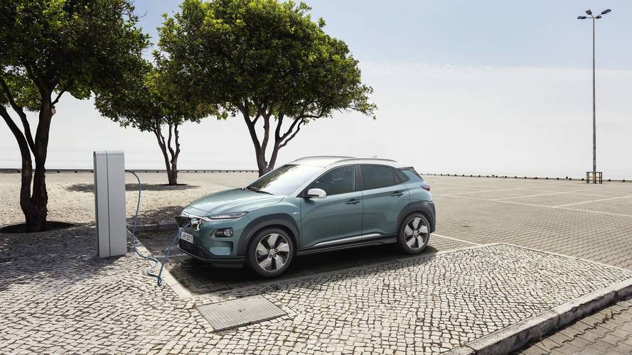Hyundai pulls covers off Kona Electric in Geneva