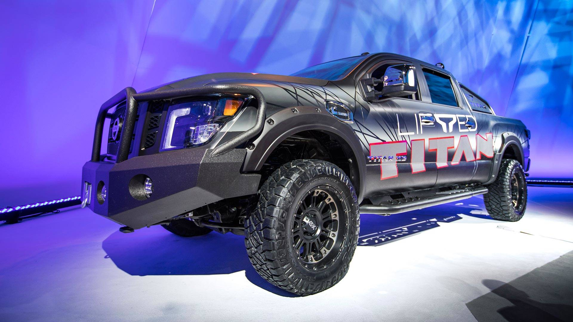 nissan unveils all new full size 2016 titan. Black Bedroom Furniture Sets. Home Design Ideas