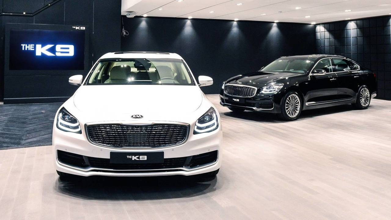V8 Energy Review >> 2019 Kia K900 Makes A Handsome Debut In New York