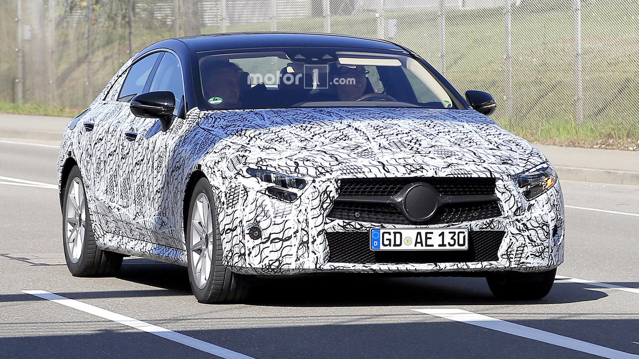 2018 mercedes cls camo striptease continues in 25 new spy shots. Black Bedroom Furniture Sets. Home Design Ideas