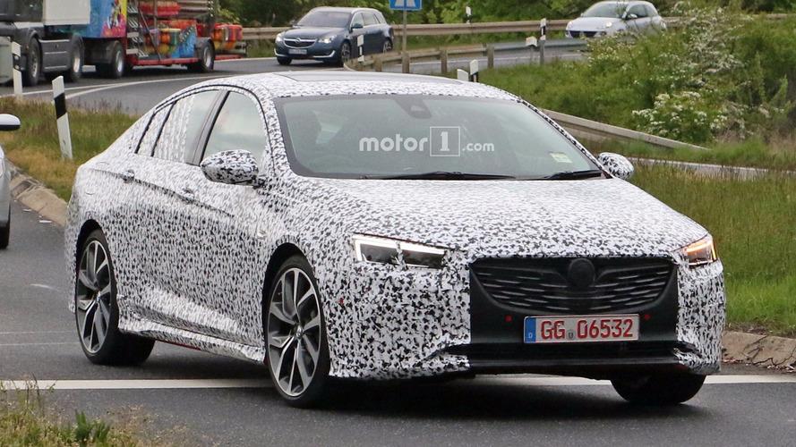 Bu Holden Commodore prototipi Opel Insignia OPC mi?
