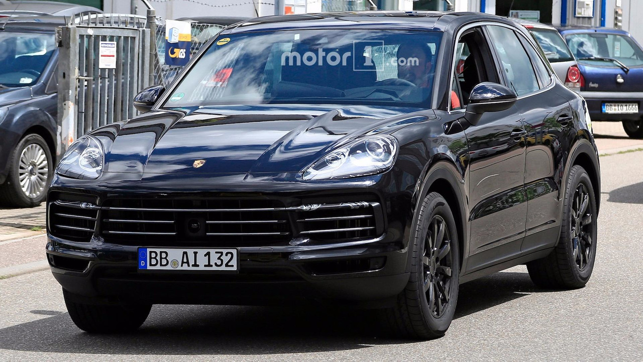 big mouthed 2019 porsche cayenne caught grinning on the street. Black Bedroom Furniture Sets. Home Design Ideas