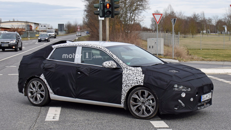 Photos espion - La Hyundai i30 Fastback surprise pour la première fois !