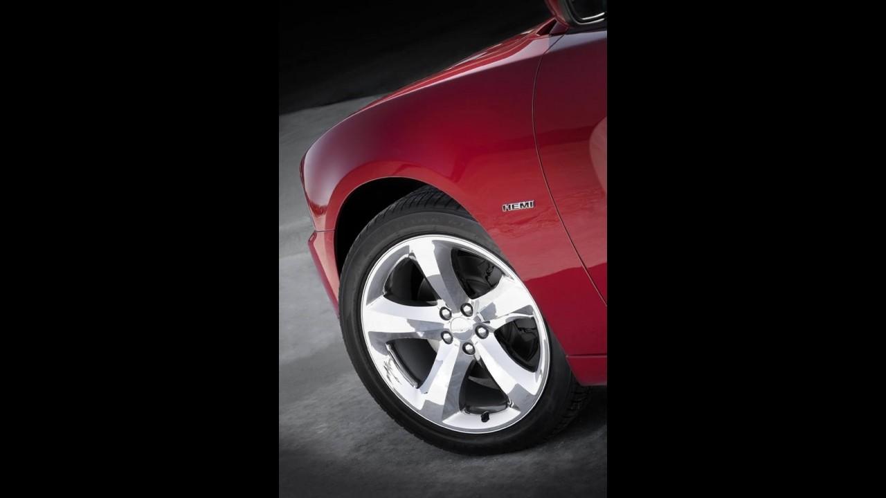 Dodge apresenta o nervoso Charger 2011 - Modelo virá ao Brasil - Veja fotos