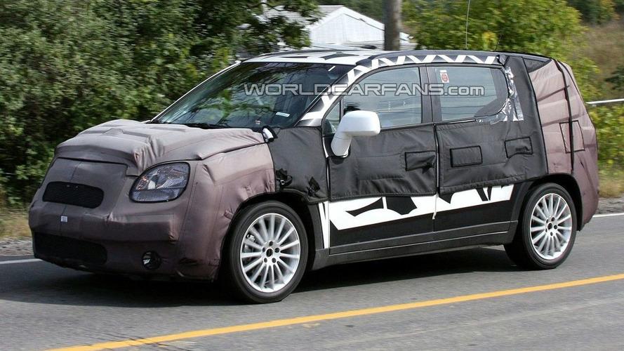 Chevrolet Orlando MPV Spied