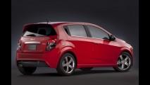 GM planeja versão esportiva do Sonic para brigar com Ford Fiesta ST
