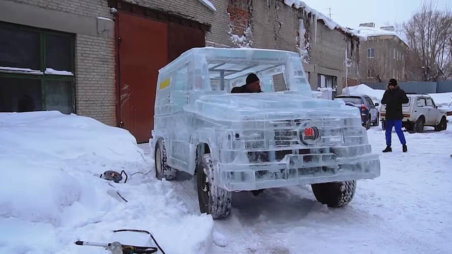 6 tonnát nyom, de működik a jégből kifaragott Mercedes-Benz G-osztály