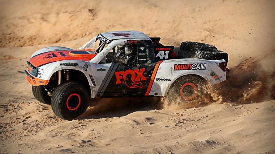 Uzaktan kumandalı arazi aracı Ultimate Desert Racer