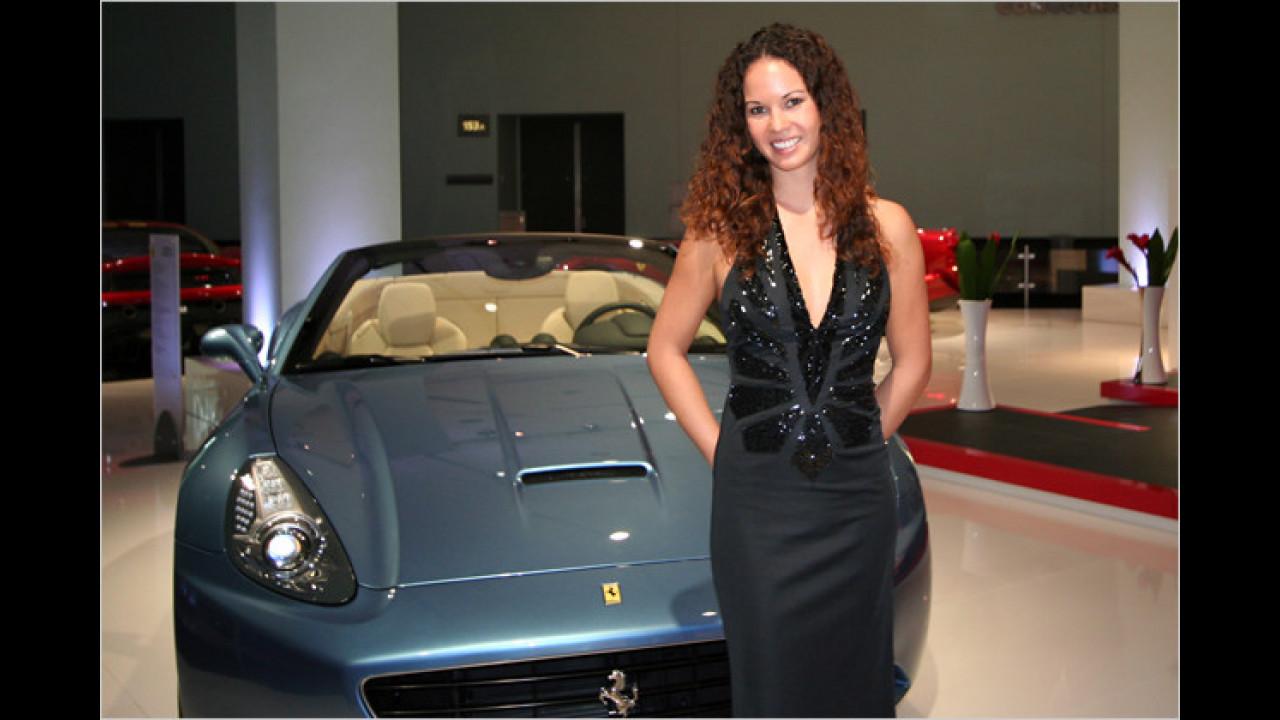 Na, Sie haben ja einen schönen Ferrari! Und endlich mal nicht in Rot!