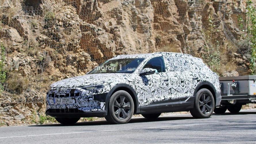 Audi E-Tron Quattro ilk kez test yaparken görüldü