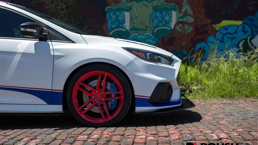 Vörös felniket kapott az 500 lóerős Roush Ford Focus RS